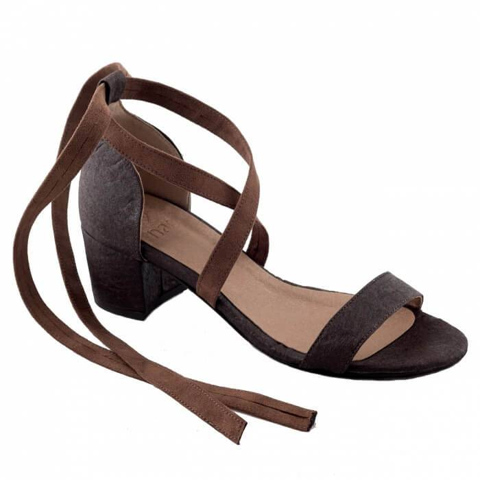 NAE vegan shoes Sandaal met hak Clau Brown ananasleer