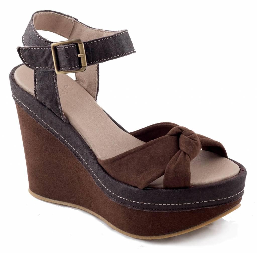 NAE vegan shoes vegan pump sara piñatex