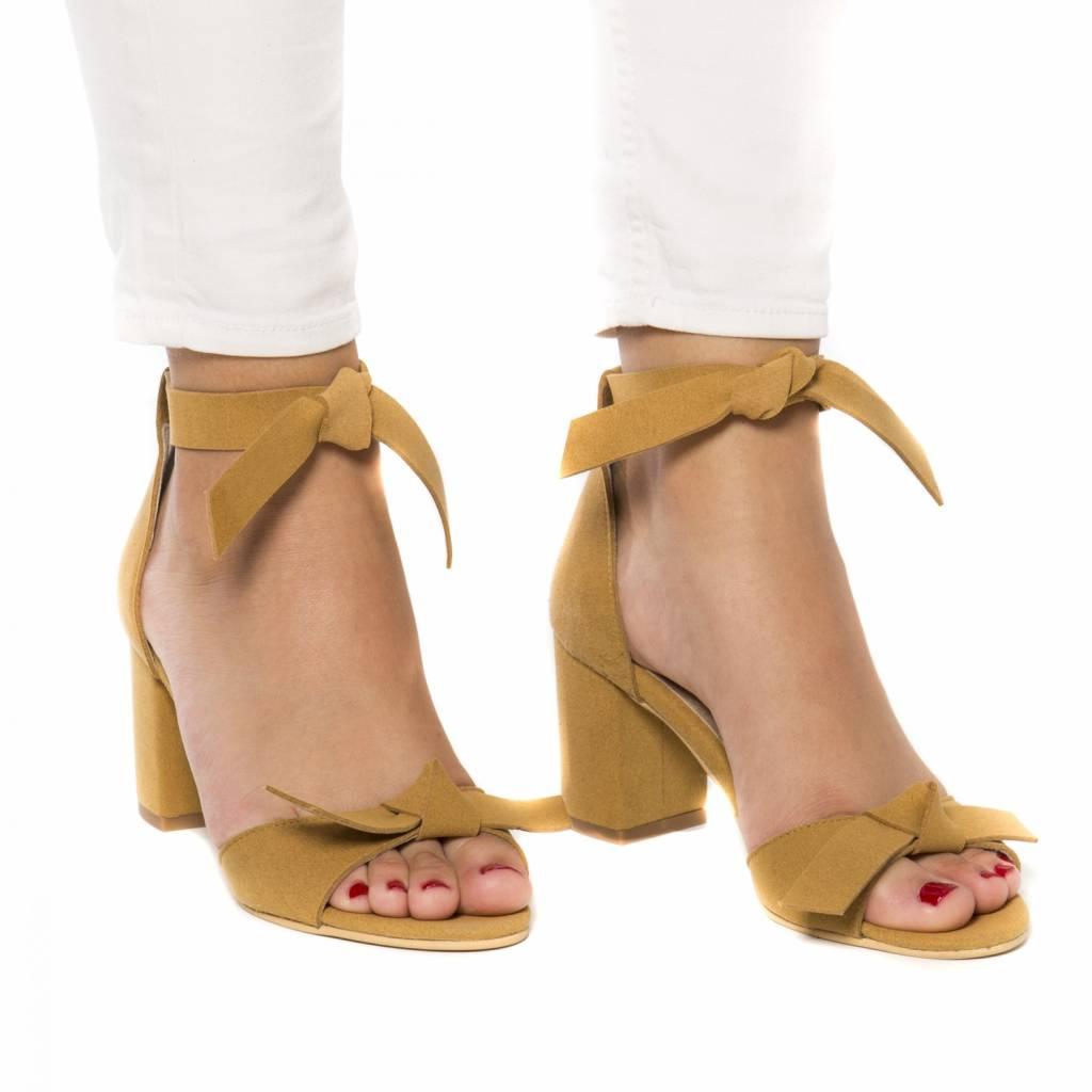 NAE vegan shoes Sandaal met hak Estela geel