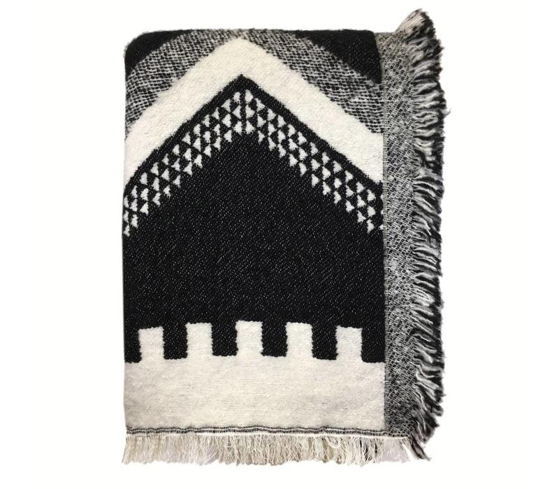 Zig zag fun black throw