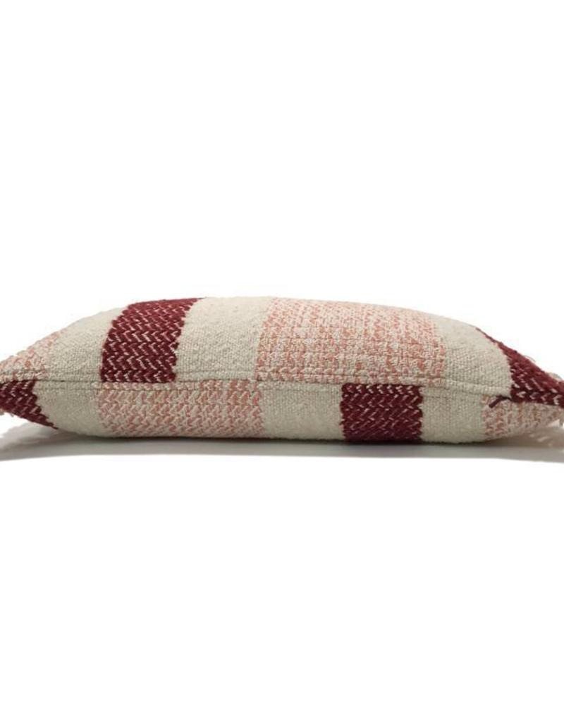 Berber grainy red cushion