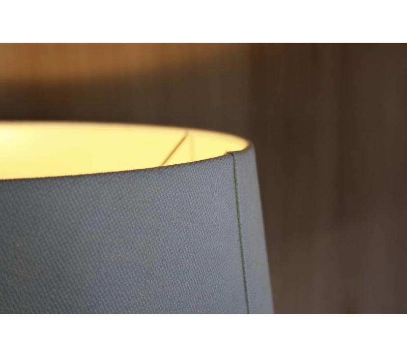Oud houten tafellamp