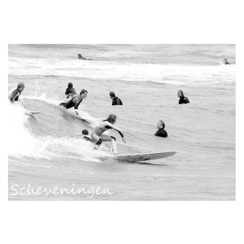 Ivooosterbaan Ivooosterbaan Scheveningen Surfers in het Water Postkaart