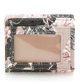 Guess Halley dames miniportemonnee met bloemenprint roze SWFF6780440