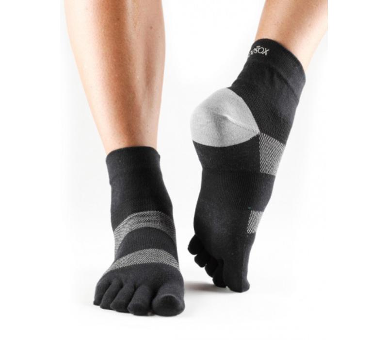 Toesox Sport Socks Minnie - Black