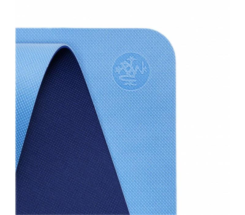 Manduka WelcOMe Yoga Mat 172cm 61cm 5mm - Pure Blue