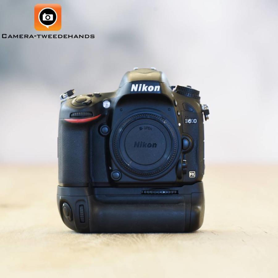 Nikon D600 incl. MB-D14 twv. €150,- (Opruiming)