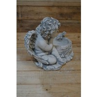 engel bij put met kikker ( H 25 cm)