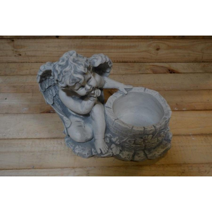 *engel bij put zonder kikker ( H 25 cm)