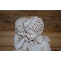 thumb-Jongen en meisje met boek-2