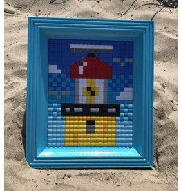 Brandaris pixel XL met licht blauwe lijst