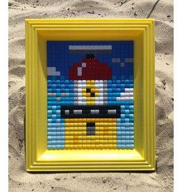 Brandaris pixel XL met gele lijst