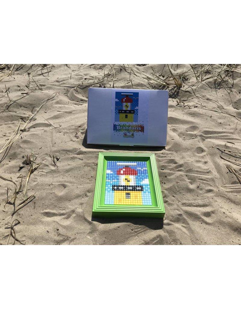 Brandaris pixel XL met groene lijst