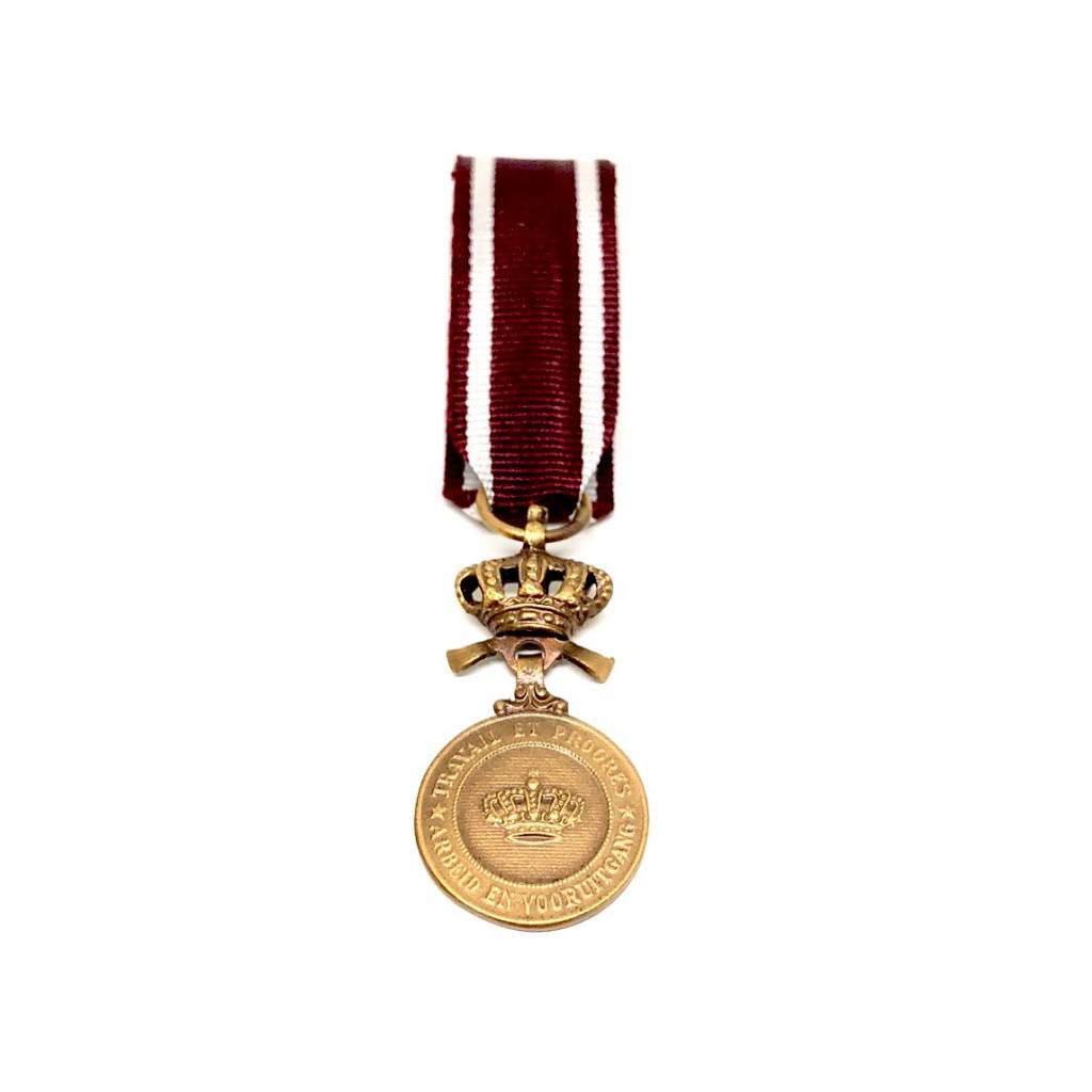 Bronze medal of the Order of the Crown