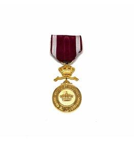 Golden medal Order of the Crown