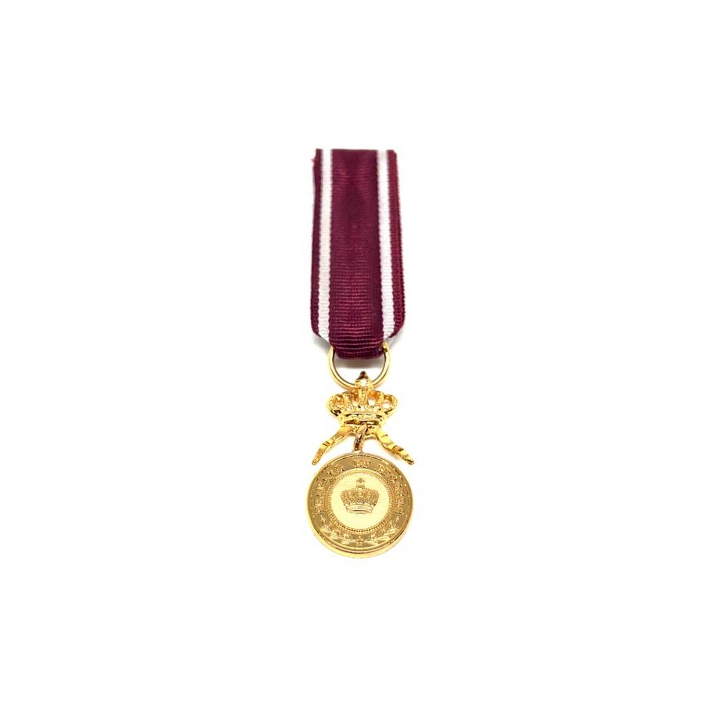 Médaille d'Or de l'Ordre de la Couronne