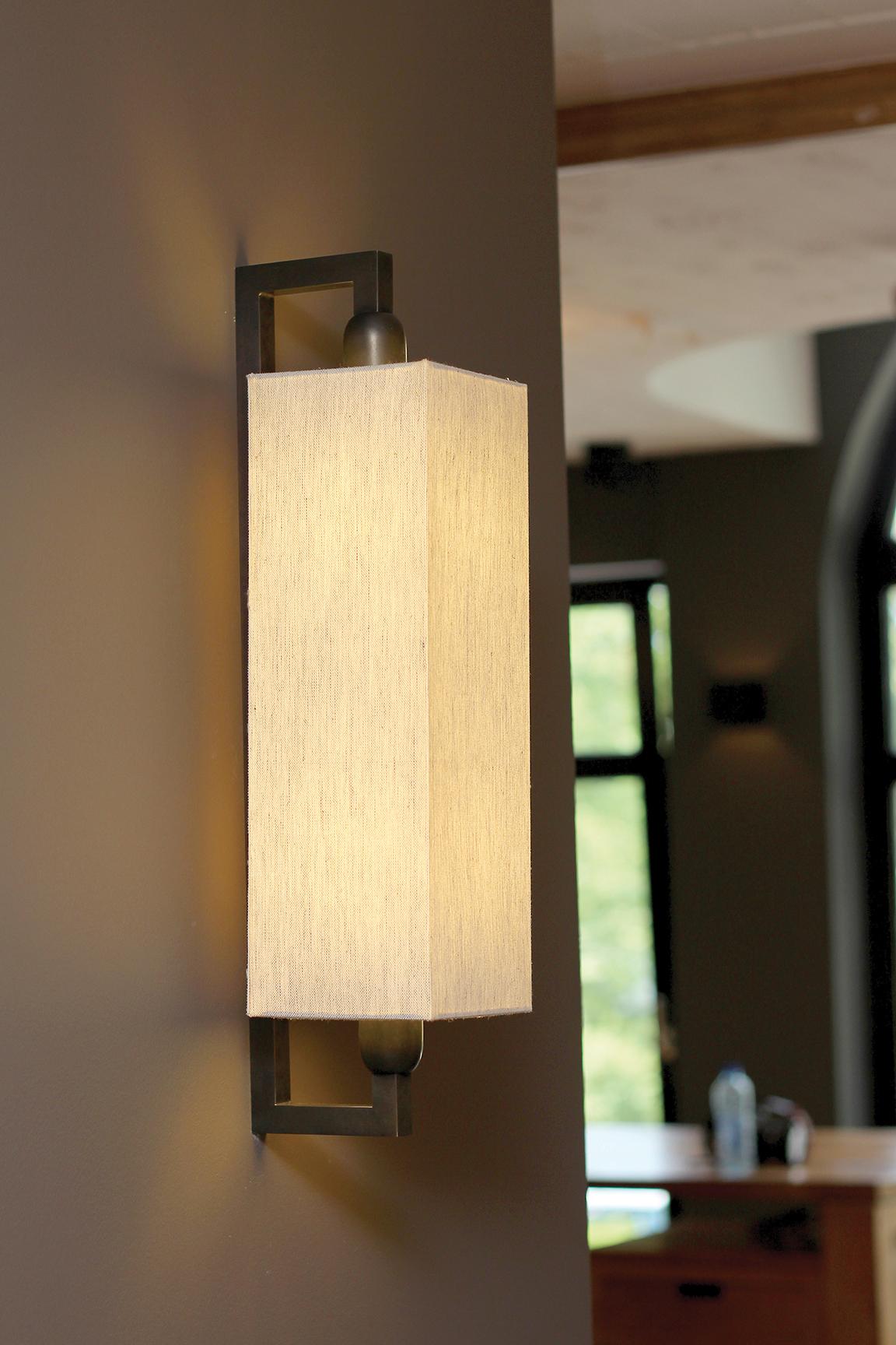 Landelijke wandlamp met lampenkap