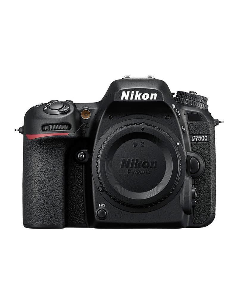 Nikon Nikon D7500 + AF-S DX 18-300 f/3.5-6.3G ED VR