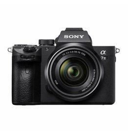 Sony Sony A7 III + FE 28-70mm F3.5-5.6 OSS KIT
