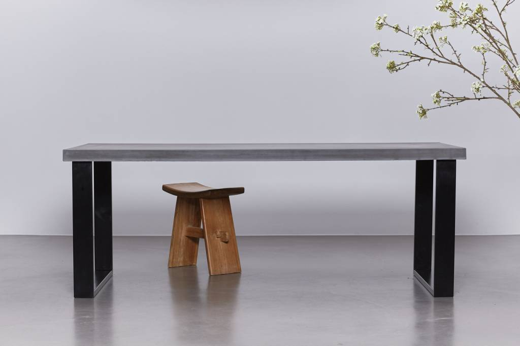 Stalen Onderstel Tafel : Eettafel van beton met zwart stalen onderstel sh collections