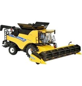 Britains NEW HOLLAND COMBINE HARVESTER CR9.90