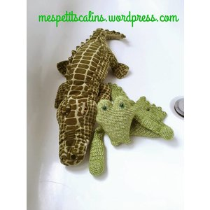 Mes petits Câlins Stuffed animal CROCODILE