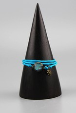 Armband aus Seide - Om in hellblau