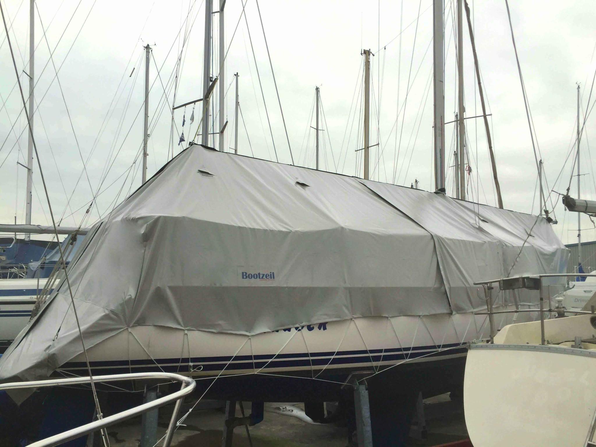 Abdeckplane Segelboot