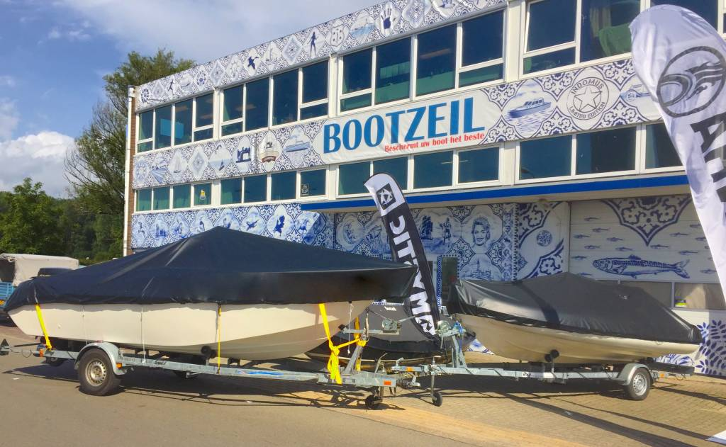 bache, dekzeil Bayliner Deckboat 210