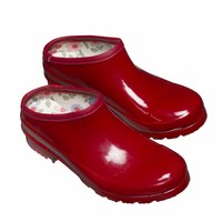 Clogs: Classic red