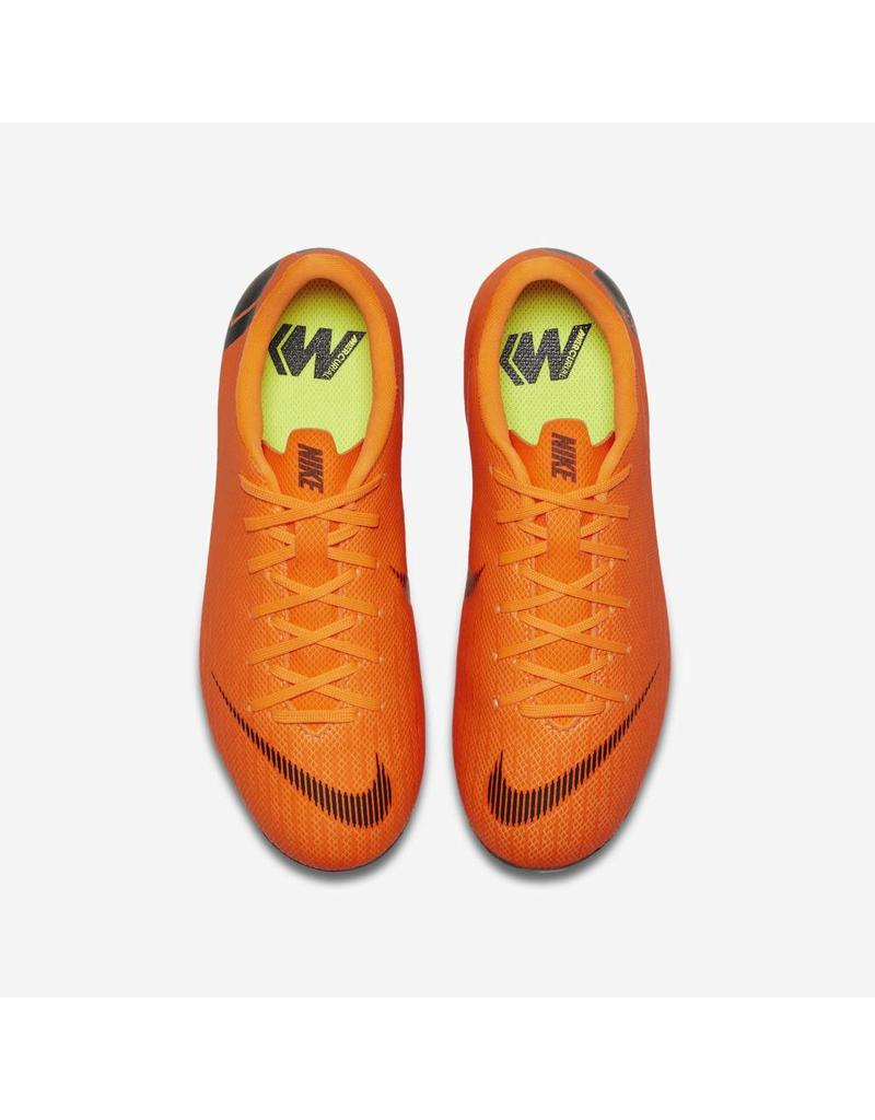NIKE Grade-School Kids' Nike Jr. Vapor 12 Academy (MG) Multi-Ground Football Boot