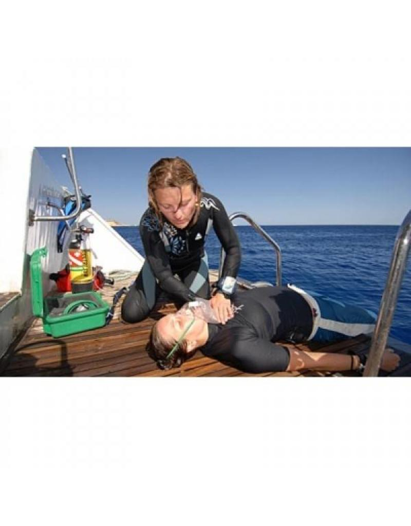 Emergency Oxygen Provider (EOP) PADI specialty