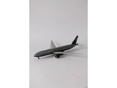 JC Wings 1:200 United Airlines B777-200