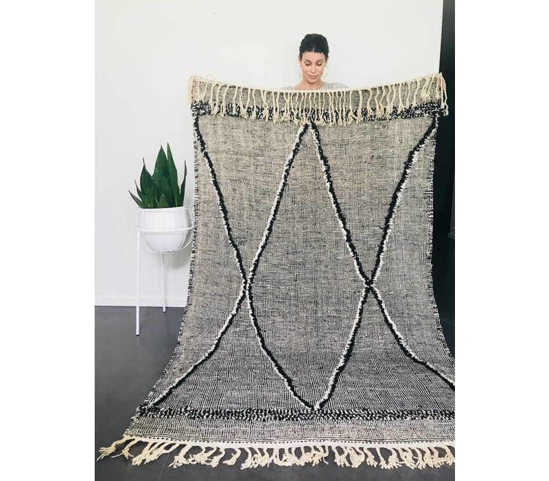 Tapijt kelim handmade zwart/wit 250 x 140 cm