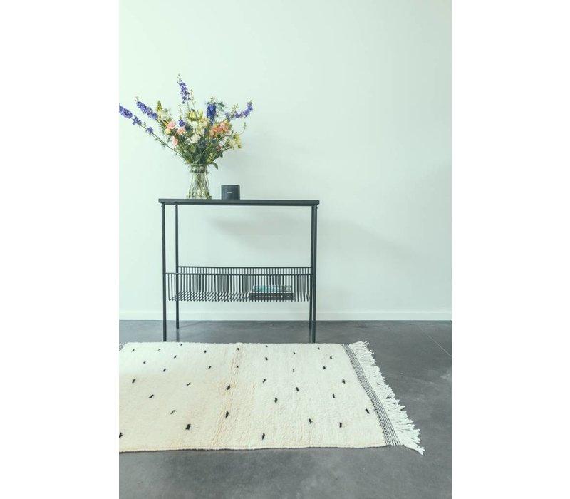 Tapijt handmade ecru met zwarte dots 152 x 100 cm